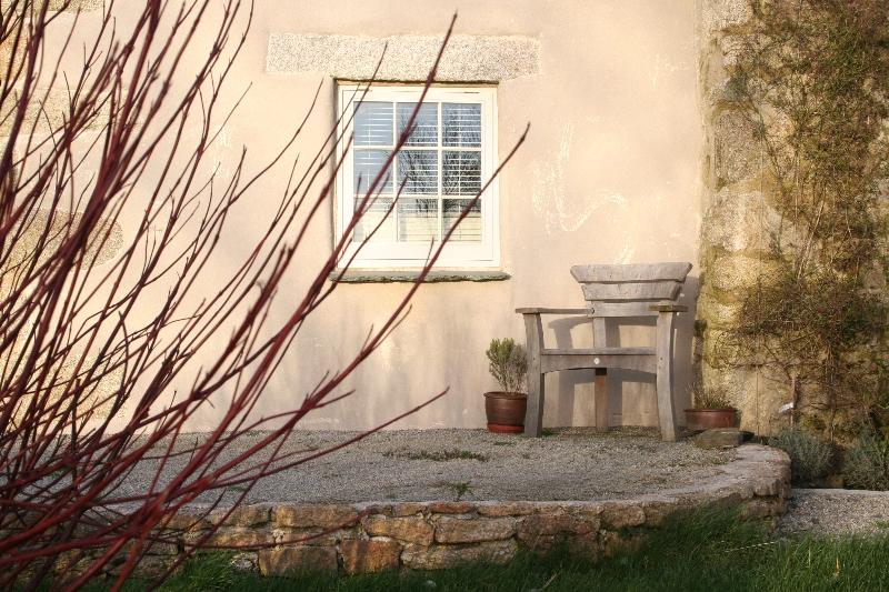 The Well House garden
